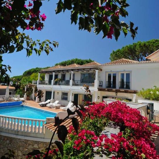 Stunning 5 Bedroom Villa In Walking Distance Of The Beach